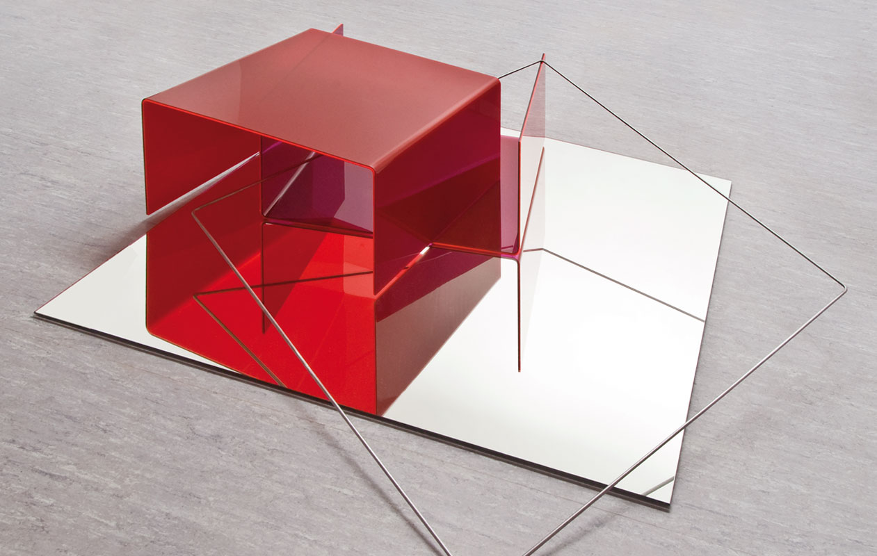 """""""Bulgano"""" – eine Skulptur ebenfalls mit Elementen aus Acrylglas. Foto: Markus Kronberger"""