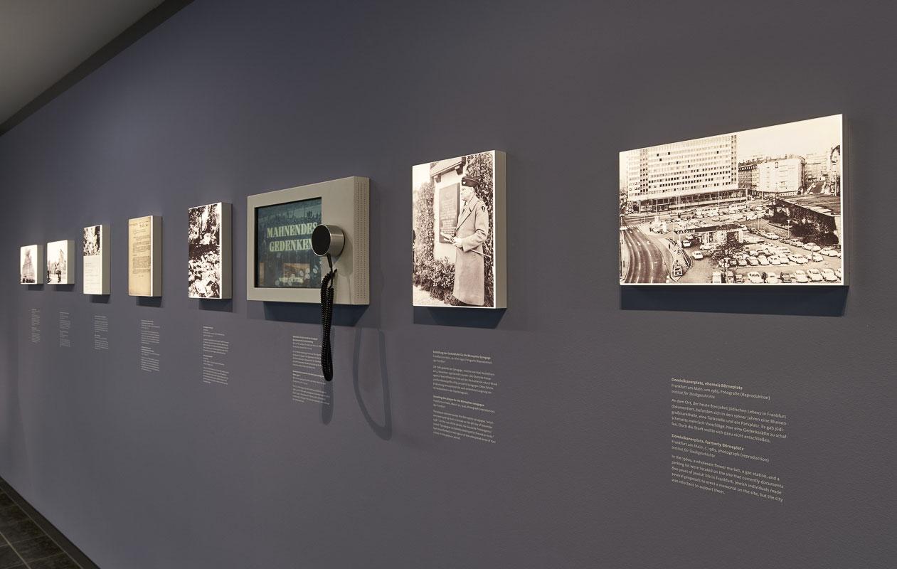 Eine Serie von Lightpanel frameless plus Druck im Museum Judengassse Frankfurt. Foto: Norbert Miguletz