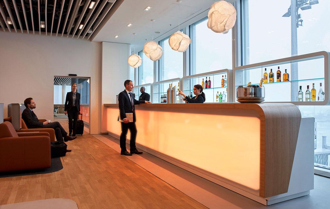 Die Skybar in der Lufthansa-Businesslounge München. Foto: Lufthansa
