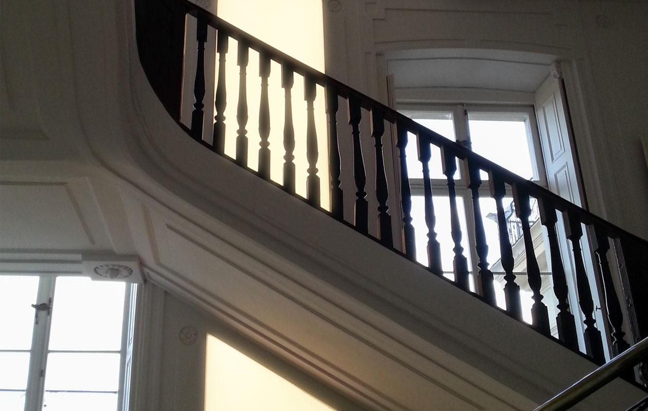 Die Formen der Lichtflächen wurden dem Verlauf der Wandvertäfelung angepasst. Foto: Schloss Ludwigslust, Jähnke