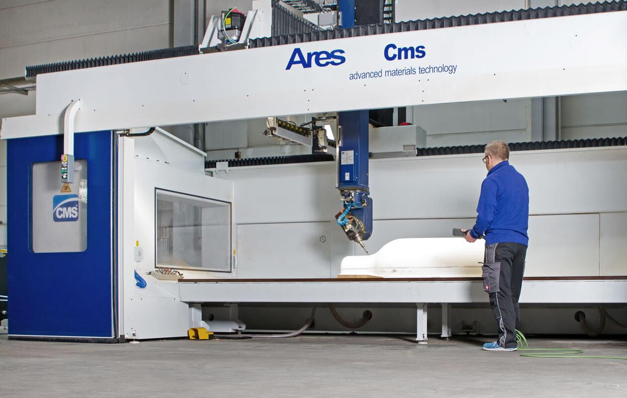 5-Achs-CNC-Bearbeitungszentrum. Foto: axis