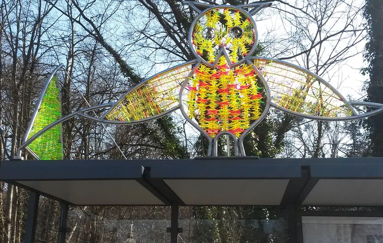 Serie von Skulpturen aus hunderten von fluoreszierenden Acrylglasteilen und Stahl für internationale und nationale Projekte. Foto: Dieter Erhard