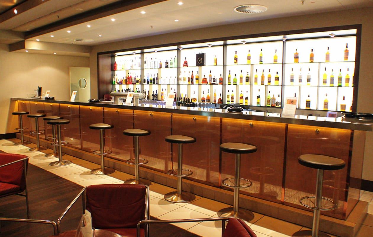 Die La Cubana Bar mit einer 6,5 Meter langen Lightpanel-Wand.