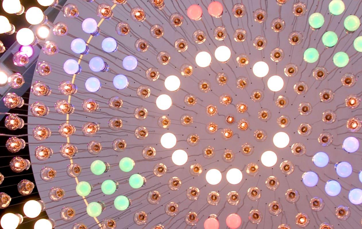 Lichtobjekt auf dem Osram Messestand, Light and Building 2008. Foto: axis